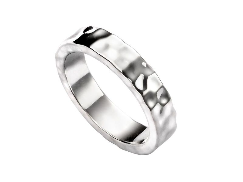 Product standard r3477   fourth avenue   our silver hammered band ring   silver